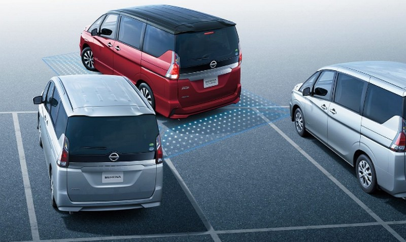 セレナe-powerの駐車支援システム!パーキングアシストが なくなった(廃止)理由は?
